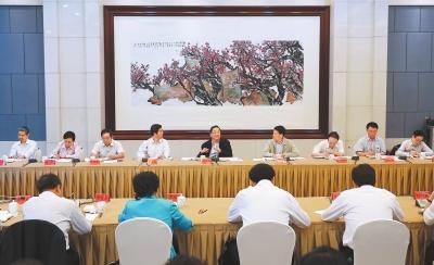 俞正声在河南调研时强调:提高民族宗教工作水平 促进民族团结宗教和谐