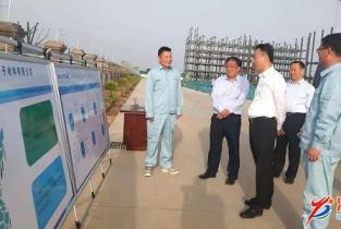 杨青玖:抓项目促投资 推动我市经济发展