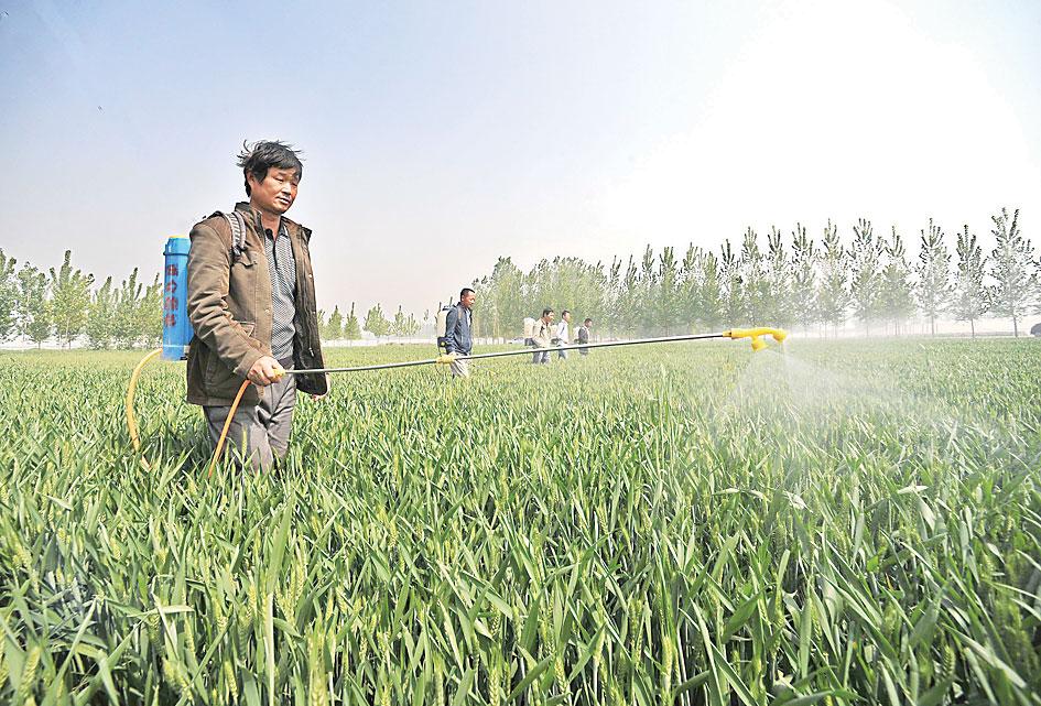 开发区新习镇组织农业扶贫服务队