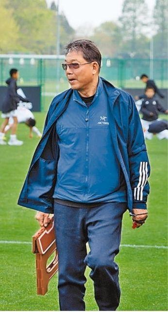 为了中国足球,还想再干10年
