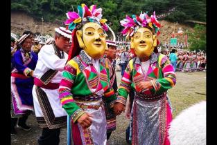 2018,少数民族文化与经济演绎双重变奏